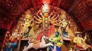 ദുര്ഗ്ഗാ പൂജ 2021: കൊല്ക്കത്തയിലെ ദുര്ഗ്ഗാ രൂപങ്ങളുടെ കഥയിങ്ങനെ!