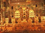 ആയിരം കിലോ സ്വര്ണ്ണംകൊണ്ട് പണിത ക്ഷേത്രം