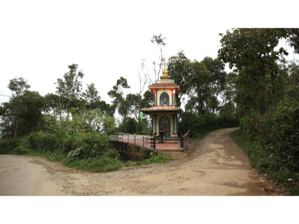 തേക്കടിയിൽ നിന്ന് മുരിക്കാടി വ്യൂപോയിന്റിലേക്ക്