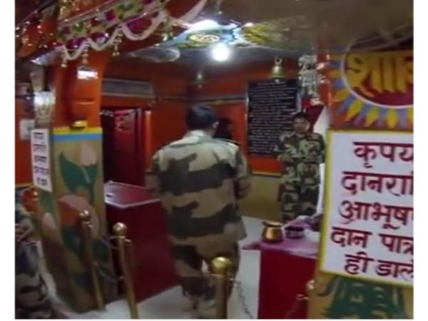 അത്ഭുതം! പാകിസ്ഥാന് ബോംബിട്ടാല് സൈനികരുടെ ഈ ദുർഗാ ക്ഷേത്രം തകരില്ല!