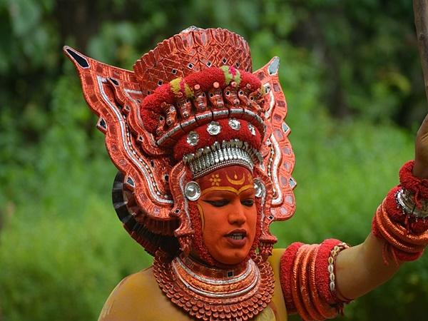 ബാലി തപസ്സുചെയ്ത്, വേട്ടക്കൊരുമകന് കാക്കുന്ന ബാലുശ്ശേരി