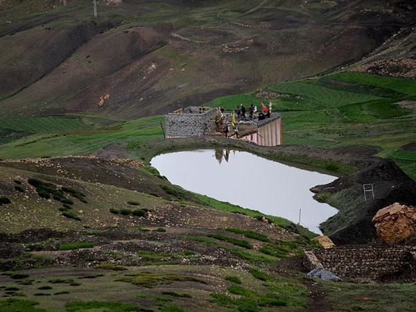 ജീവനുള്ള മമ്മി മുതല് ഏറ്റവും ഉയരത്തിലെ പോസ്റ്റ് ഓഫീസ് വരെ... ഈ റോഡ് ട്രിപ്പ് വളരെ വ്യത്യസ്തമാണ്!