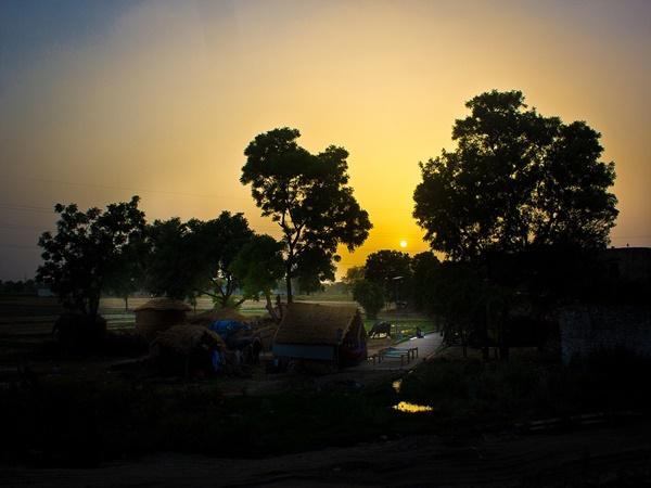 സിറോ വാലി മുതല് വാല്പാറ വരെ...ഇന്ത്യയിലെ മനോഹരങ്ങളായ ഗ്രാമങ്ങള്