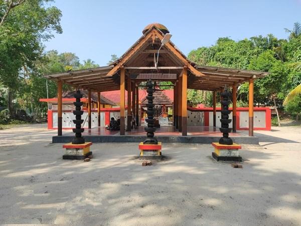 ശ്രീവിദ്യാ സ്വരൂപിണിയായി ബാലദുർഗ്ഗ ; ഇവിടെ കുഞ്ഞാണ് ദൈവം