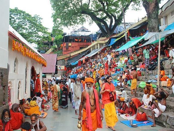 കാമാഖ്യ ക്ഷേത്രത്തിലെ അമ്പുമ്പാച്ചി മേള റദ്ദാക്കി, ജൂണ് അവസാനം വരെ പ്രവേശനത്തിനു വിലക്ക്