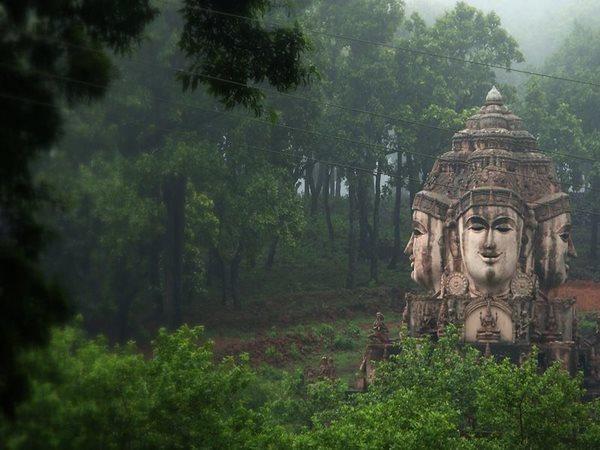 ശ്രീയന്ത്ര മഹാ മേരു ക്ഷേത്രം: സങ്കീര്ണ്ണമായ കണക്കുകൂട്ടലില് പൂര്ണ്ണമായ ക്ഷേത്രം, ലോകത്തൊന്നു മാത്രം