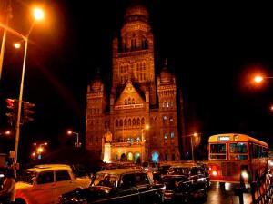Walkthrough Indian Cities At Night