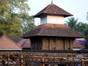 Monuments National Importance Kerala 000358 Pg