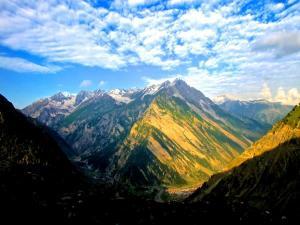 Sonamarg Stroll A Golden Valley