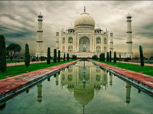 Top 20 Famous Monuments India