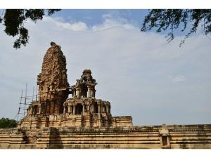 These 5 Popular Temples Were Constructed Just One Night