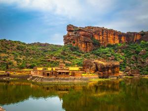 Caves India The Story Tellers Bygone Era Malayalam