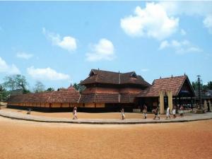 Guide Mannar Thrikkuratti Mahadeva Temple
