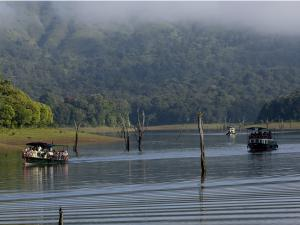 Thekkady Travel And Boating Information