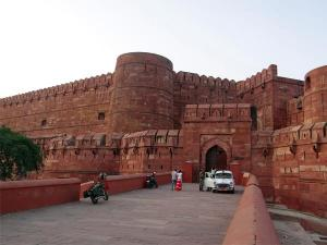 Architectural Wonders In Agra
