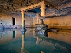 The Mysterious Kedareshwar Cave