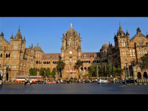 Through The Iconic Landmarks Of Mumbai