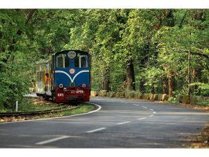 The Darjeeling Himalayan Railway Malayalam