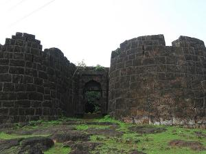 Ruined Forts In Ratnagiri