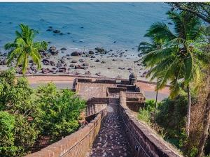 Famous Forts In Goa