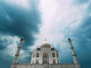 Reason To Visit Taj Mahal In 2019 Timings Ticket Rate And Attractions