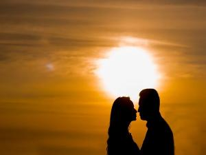 Valentine S Day Wishes Quotes Messages And History In Malayalam