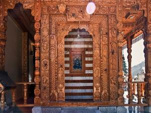Bijli Mahadev Temple In Himachal Pradesh Attractions Specialities Mysteries And How To Reach