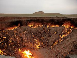 Darvaza Gas Crater The Door To Hell In Turkmenistan History Attractions And Specialties