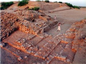 Dholavira Become Unesco World Heritage Site History Sightseeing Places To Visit And How To Reach