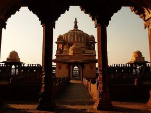Datia Palace In Madhya Pradesh History Attractions Specialities And How To Reach