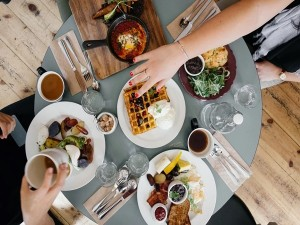 Things To Know About Fooding While Travelling
