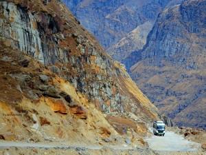 How To Reach Ladakh From Delhi By Bike Bus Train And Air