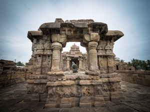 Virupaksha Temple In Pattadakal History Attractions And How To Reach