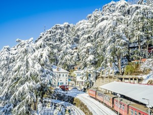 Top Places To Experience Snowfall In India
