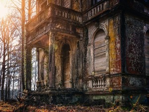 Haunted Places In India Where You Are Not Supposed To Go Alone