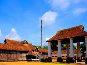 Vadakkan Paravur Peruvaram Mahadeva Temple History Specialities Timings And How To Reach