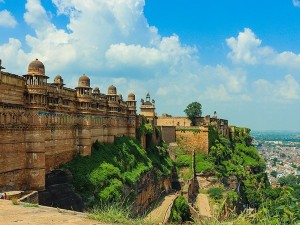 Interesting And Unknown Facts About Gwalior Fort Madhya Pradesh Most Impenetrable Fort In India
