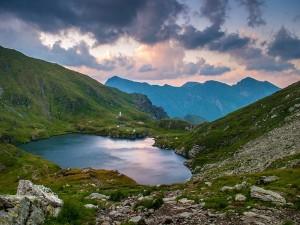 Great Lakes Trek In Kashmir The Most Adventurous And Stunning Trek In India