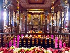 Sri Dalada Maligawa Temple Of The Sacred Tooth Of Buddha In Sri Lanka History Attractions And Spe