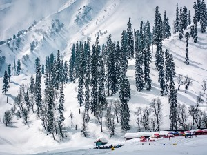 Gulmarg Becomes The Hottest Summer Destination In India