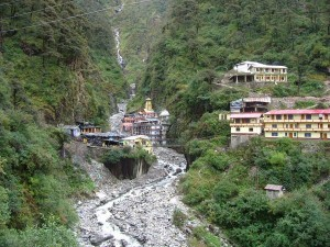 Yamunotri Origin Of The Yamuna River In Uttarakhand Attractions Specialties And How To Reach