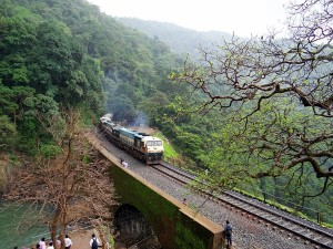 Covid 19 Travel Guidelines For Rail Passengers Issued By Railway And States