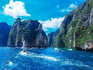 Phuket To Receive Vaccinated International Tourists From July 1st With Offers