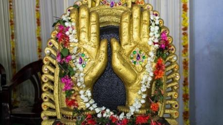 കൈപ്പത്തി പ്രതിഷ്ഠയുള്ള ഇന്ത്യയിലെ ഏക ക്ഷേത്രം