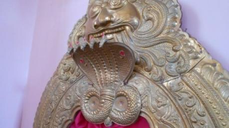 നൂറു വയസ്സുള്ള നാഗം... ആഗ്രഹങ്ങൾ നടത്തി തരുന്ന ചിതൽപ്പുറ്റ്...ഇനിയുമുണ്ട് വിശേഷങ്ങൾ