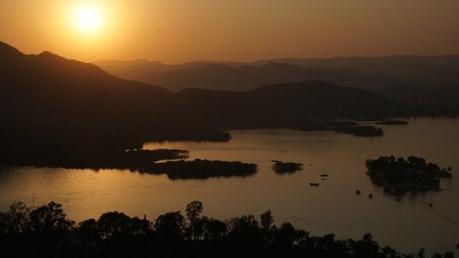 മഹിഷ്മതിയിലെ അല്ല, ഇത് ഉദയ്പൂരിലെ ബാഹുബലി കുന്ന്