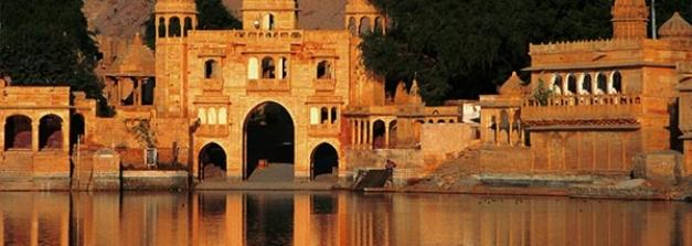 ഇന്ത്യയിലെ കായലോര ക്ഷേത്രങ്ങളുടെ സൗന്ദര്യം കണ്ടെത്താം