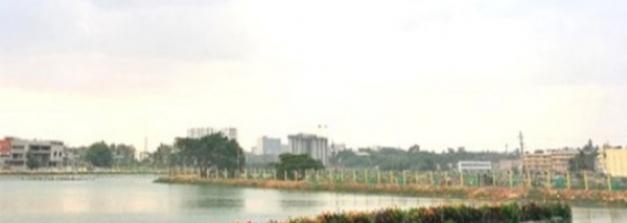 മാലിന്യക്കൂമ്പാരം ഇന്ത്യയിലെ ഏറ്റവും വലിയ ഒഴുകുന്ന തടാകമായി മാറിയ കഥ!!