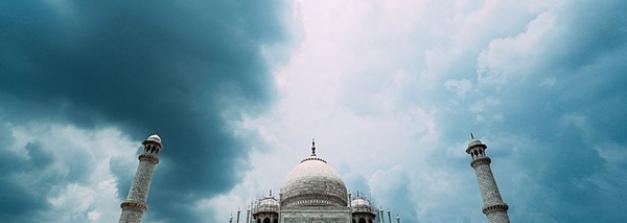 മണ്ണിലെ സുഖചികിത്സ കഴിഞ്ഞു നിൽക്കുന്ന താജ്മഹലിന്റെ വിശേഷങ്ങൾ